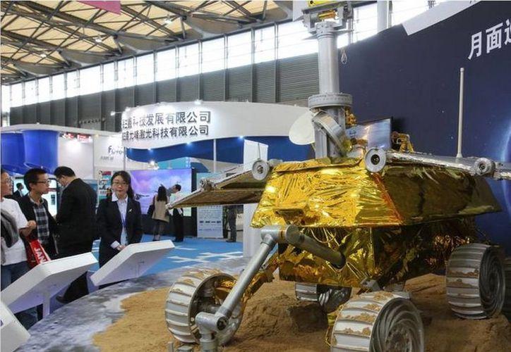 """El robot teledirigido fue llamado """"Yutu"""" en referencia a que, de acuerdo con la mitología China, una liebre o conejo vive en la Luna. (Agencias)"""