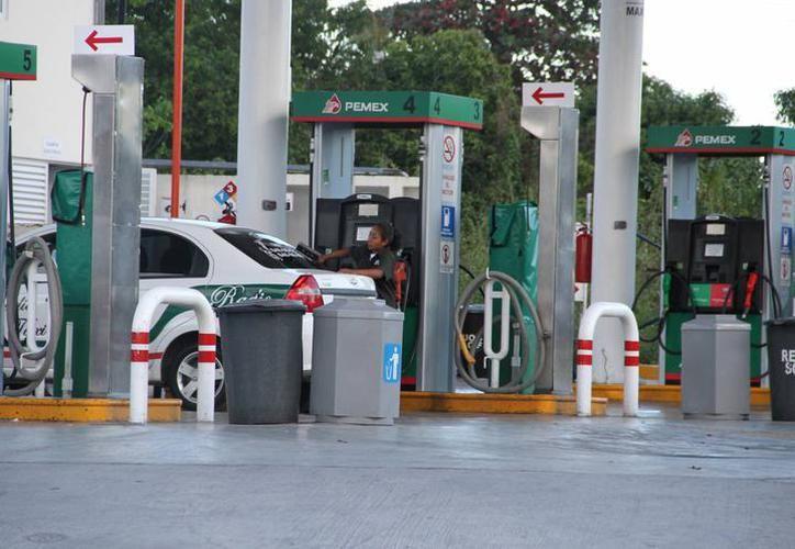 Algunas máquinas  no cumplían con los requerimientos para distribuir gasolina. (SIPSE)