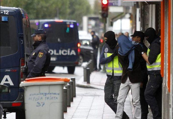 En lo que va de año, la policía ha detenido a unos 50 supuestos yihadis y reclutadores. (twitter/@abcespana)