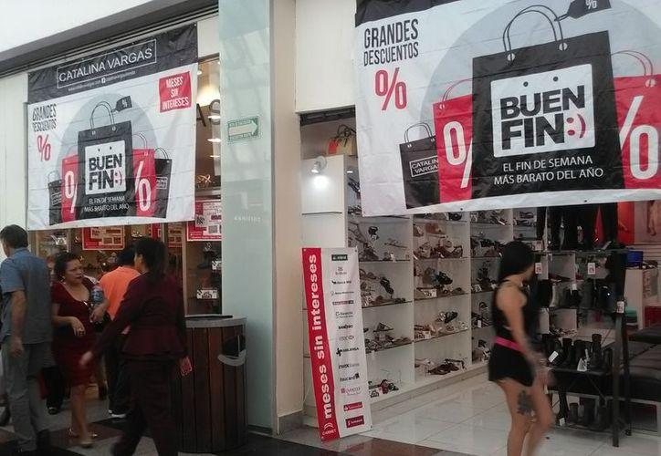 Cientos de establecimientos se registraron para sumarse al fin de semana más barato del año en Cancún. (Israel Leal/SIPSE)