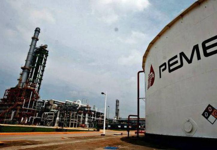 Contar con mayor capacidad de almacenamiento de combustibles se traduce en seguridad para las empresas. (Archivo/Milenio Novedades)