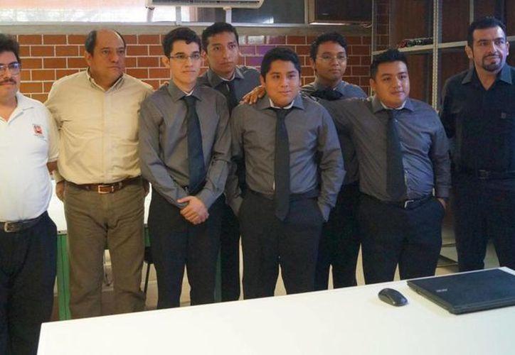 La finalidad de este evento trata que los alumnos sean evaluados en la materia del Taller de investigación II. (Celcar López/SIPSE)