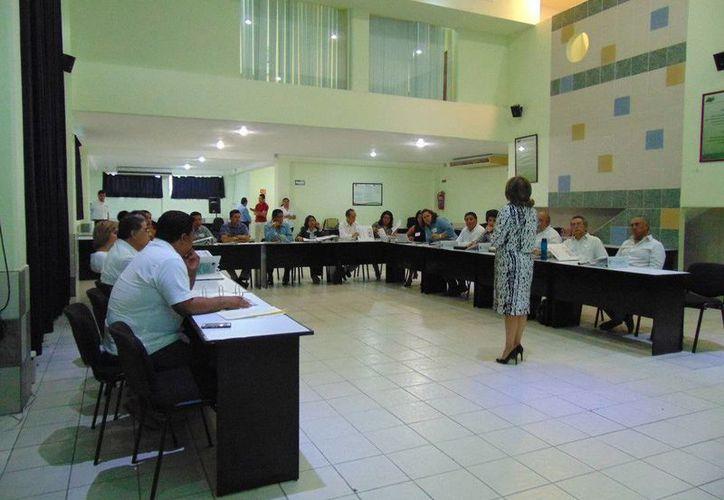 La capacitación y profesionalización permanente de los servidores públicos de los tres órdenes de gobierno es constante. (Redacción/SIPSE)