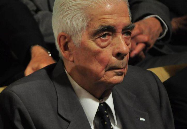 El exgeneral Luciano Benjamín Menéndez (imagen) y  uno de los autores intelectuales del homicidio. (Archivo/EFE)