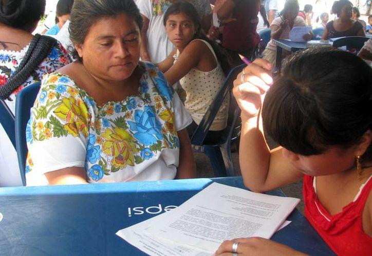El Ieaey pretendía alfabetizar al menos a 11 mil 800 personas, pero logró su labor en más de 13 mil. (Milenio Novedades)