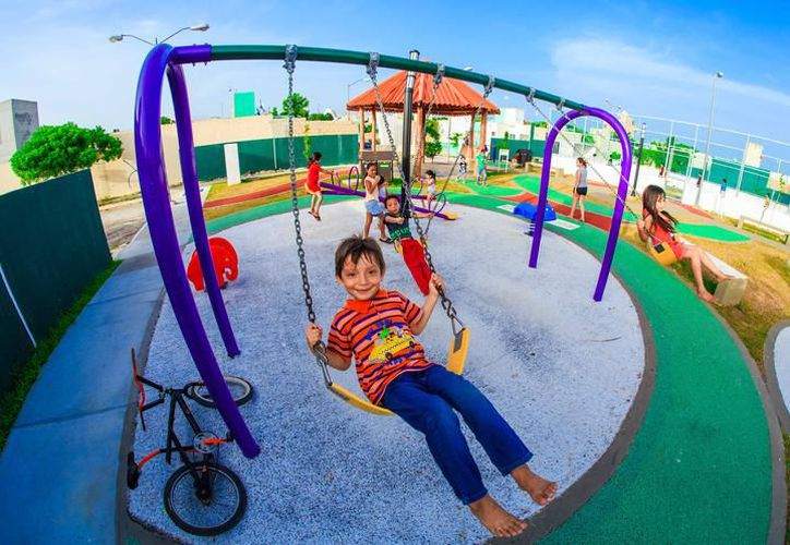 Los parques públicos están ubicados en los fraccionamientos Bosque Real y Cataluña II, y cuentan con juegos infantiles, equipos de gimnasio y bebederos. (SIPSE)
