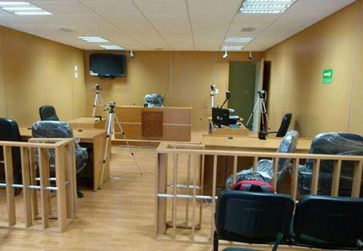 Abogados señalan que no hay forma de cumplir con toda la normatividad que requieren los juicios orales. (Aristeo Abundis/Milenio)