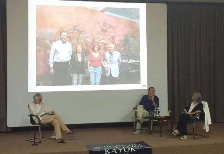 En el evento, Juan Pablo Gómez Morín compartió fotos de su vida y de su abuelo Diego Rivera con Rina Lazo. (Alejandra Flores/SIPSE)