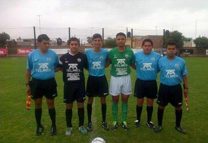 La UADY igualó 1-1 con Morelos y ganó 4-2 a la IPN, por lo que ahora están en segundo lugar de su grupo. (Milenio Novedades)