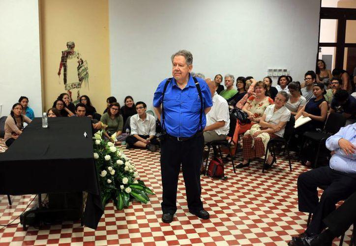 El escritor Hugo Hiriart, durante su participación en la ESAY. (Milenio Novedades)