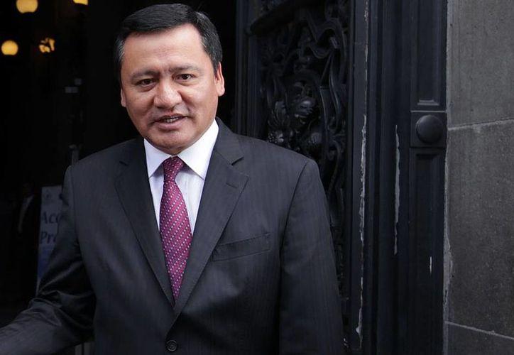 Osorio Chong expuso que para dar resultados se requiere tanto del apoyo de la sociedad como de la transparencia de la autoridad.  (Notimex/Foto de contexto)