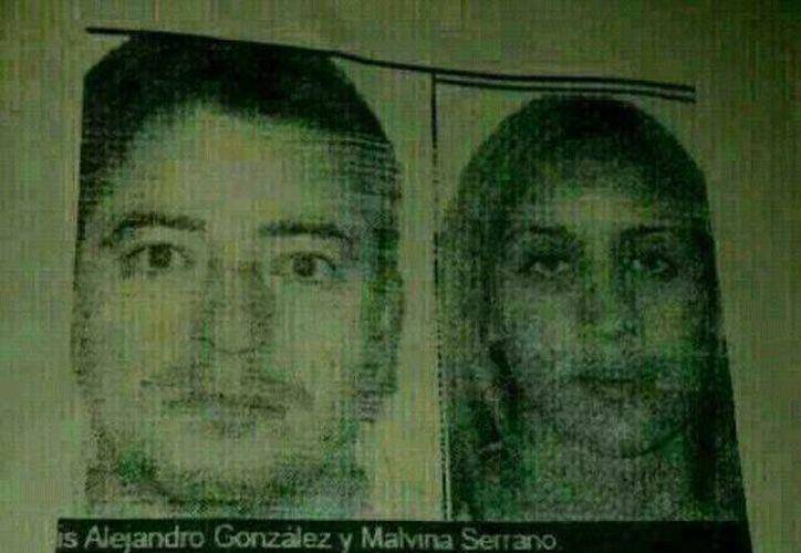 """Las imágenes de estas dos personas circulan junto con el texto donde se """"advierte"""" de la supuesta camioneta que secuestra niños para sacarles los órganos. No hay información de por qué a esta pareja (Luis Alejandro González y Malvina Serrano) se le relaciona con el caso. (Facebook)."""