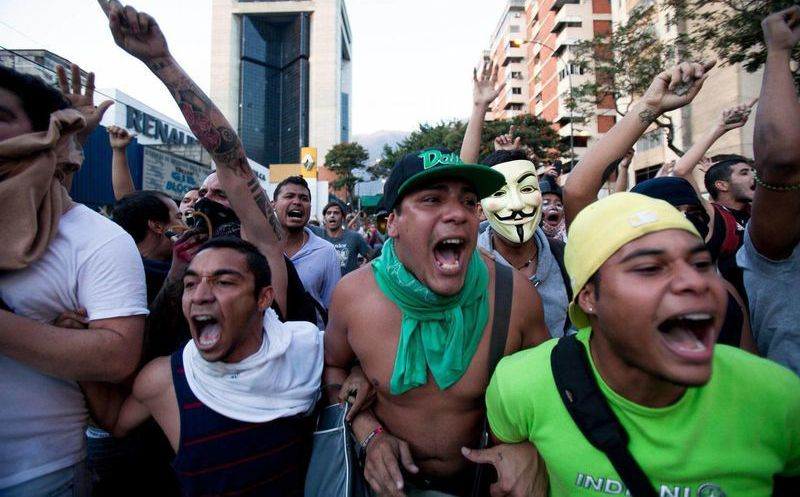 Resultado de imagen para Nicolás Maduro prohíbe las manifestaciones en Venezuela
