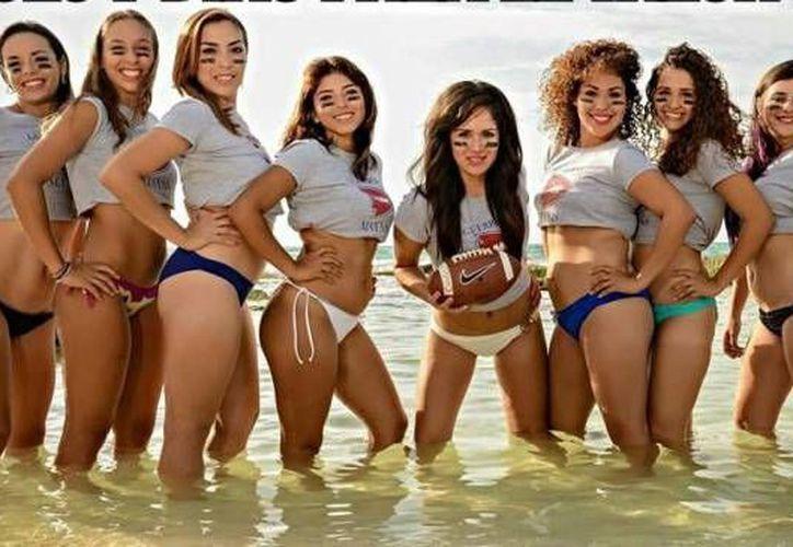 Chicas que participaron en el Tazón Maya de Bikini Football. (Milenio Novedades)