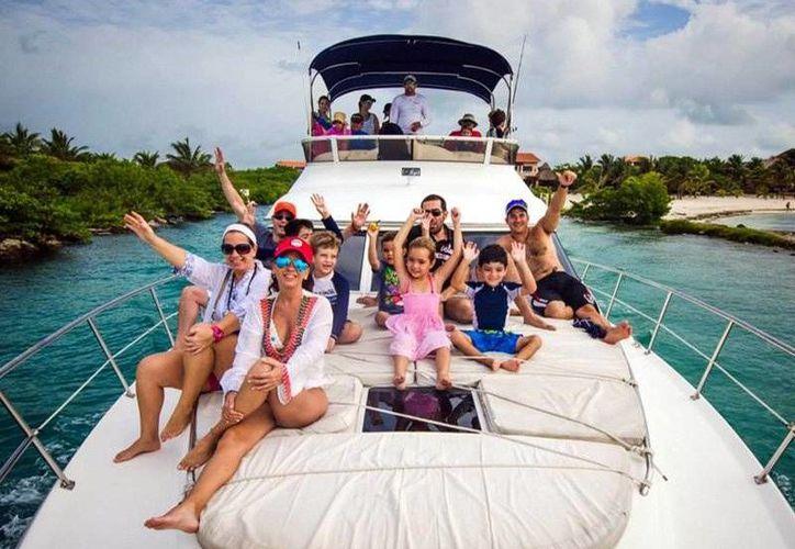 Puedes invitarlos a un tour a cualquiera de los lugares hermosos de Quintana Roo. (Contexto/Internet)