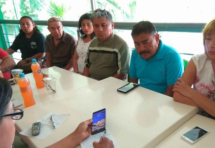Los padres de los 43 estudiantes desaparecidos en Ayotzinapa, traerán su caravana a Cancún. (Jesús Tijerina/SIPSE)