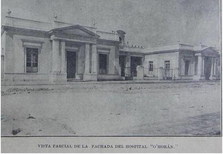 Así lucía la fachada, entonces moderna, del Hospital O'Horán entre 1906 y 1907. Todavía se puede observar algo de su antiguo esplendor en la avenida Itzaes, enfrente de la Facultad de Medicina de la Universidad Autónoma de Yucatán. (Sergio Grosjean/SIPSE)