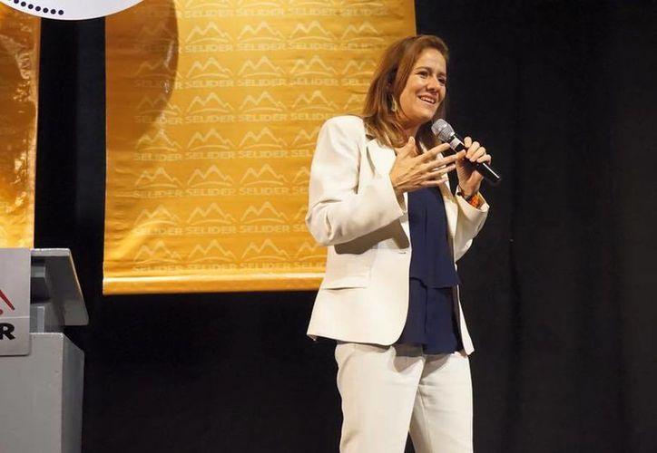 Margarita Zavala refrendó su deseo de competir por la silla presidencial en 2018. (Imagen/ Facebook: Margarita Zavala)