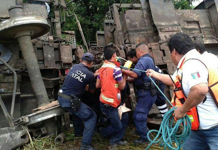El accidente ocurrió en una zona de difícil acceso. (EFE)