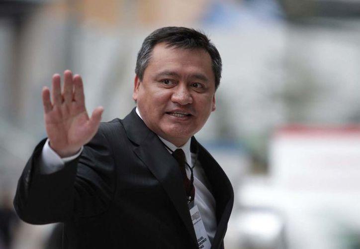 La salida de Osorio Chong del Gabinete presidencial se da luego de que no fuera elegido candidato del PRI. (Foto: Marmor Informa)