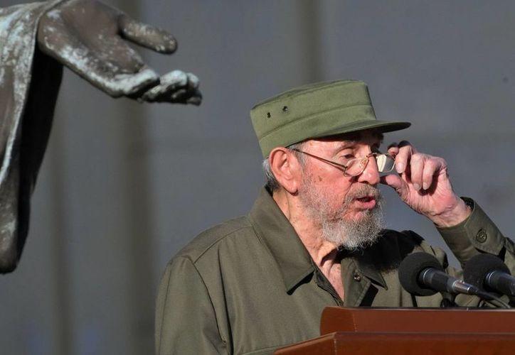 """Según señala Fidel Castro en su artículo de este jueves, el papel de la delegación cubana en los funerales de Mandela """"será inolvidable"""". (Archivo/EFE)"""