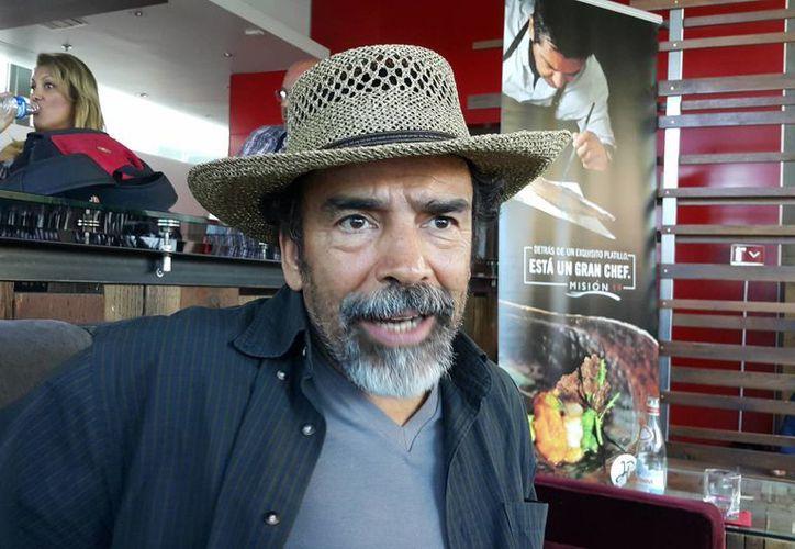 En entrevista, el actor Damián Alcázar aseguró que están dentro de sus planes narrar una película sobre la ejecución de mexicanos en EU. (Notimex)