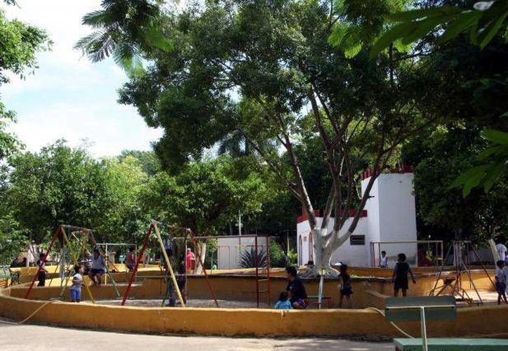 """El parque """"Manuel Berzunza Carrillo"""" cada vez es más un cementerio de mascotas, por lo que se les rescatará. (SIPSE/Archivo)"""