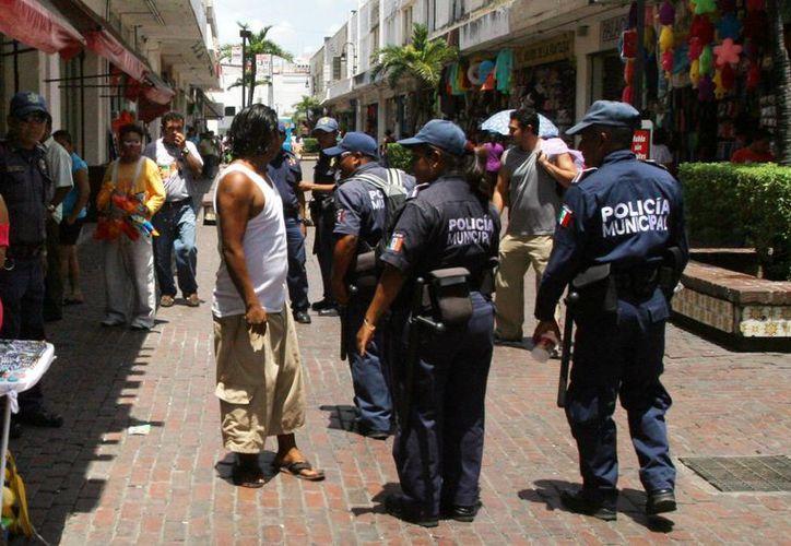 Imagen de un operativo de vigilancia de la Policía Municipal de Mérida por calles del centro de la ciudad. (Imagen de contexto. Archivo/SIPSE)