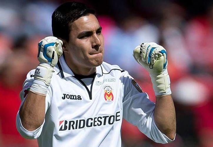 El portero Carlos Felipe Rodríguez fue uno de los jugadores más importantes de Monarcas Morelia en el duelo contra León. (futboltotal.com.mx/Foto de archivo)