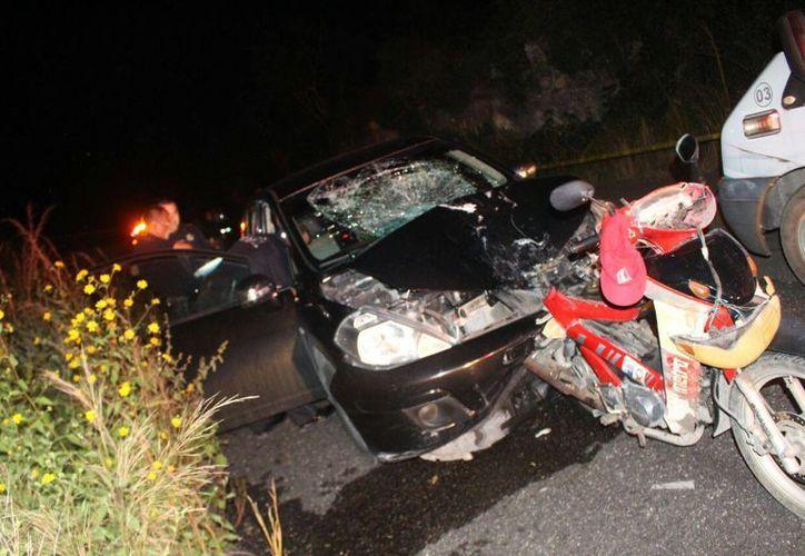 El conductor de la motocicleta falleció al instante. (Foto: Jesús Caamal/SIPSE)