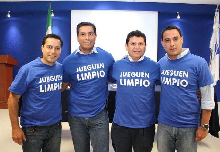 Los panistas deberán convocar a nueva elección de consejeros. En la imagen, el diputado Mauricio Vila Dosal, Julio Sauma, Rodolfo González Crespo y Raúl Paz. (SIPSE)