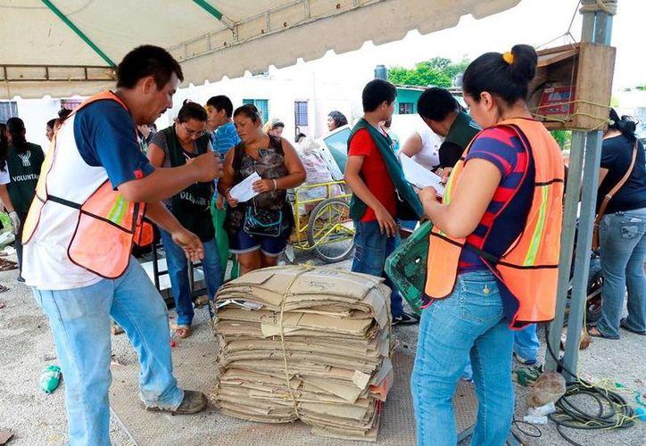 """La edición número 123 del programa """"Recicla por tu bienestar"""" se llevó a cabo ayer en la colonia Nueva San José Tecoh. (Milenio Novedades)"""
