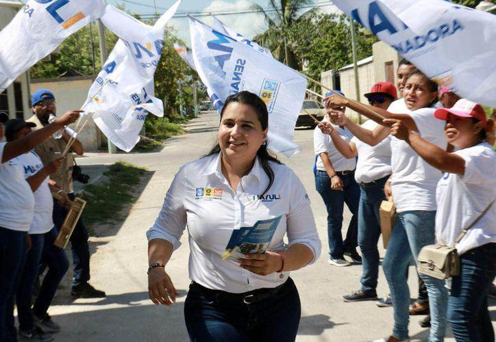Desde el Senado se promoverán mecanismos para su inclusión laboral y oportunidades de crecimiento, propone la candidata Mayuli Martinez.