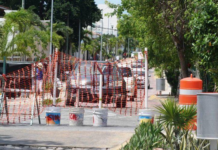 Las reparaciones ocasionan tráfico y bajas ventas a negocios. (Octavio Martínez/SIPSE)