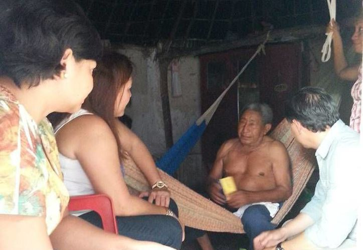 Martiniano Euán Koh, vecino del municipio de Maxcanú, recibió medicamentos. (SIPSE)