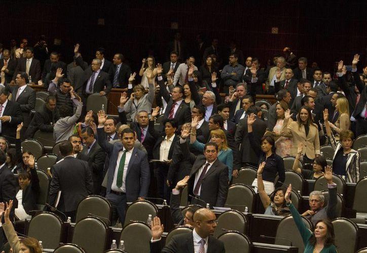 El dictamen sobre paternidad aprobado de manera unánime en la Cámara de Diputados fue elaborado por la panista Esther Quintana. (Notimex/Contexto)