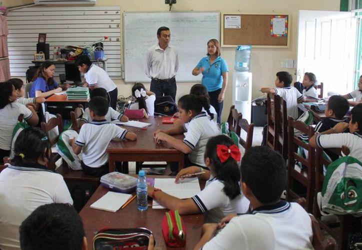 """A través del programa """"Árbol de Chicoca"""" el DIF crea consciencia en escuelas de nivel básico, sobre el abuso sexual infantil. (Redacción/SIPSE)"""