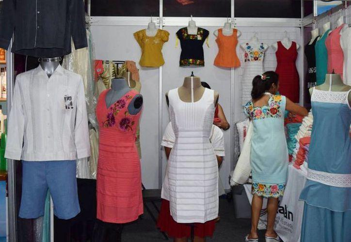 Industria del vestido de Yucatán tiene un potencial en el mercado europeo, aseguró el dirigente de la Canaive, Samuel Gershevich Salnicov. (Facebook  Canaive Yucatán)