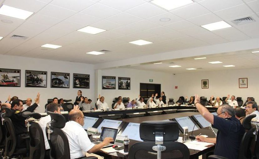 Se laboró durante la sesión de el Consejo Consultivo de Tránsito y Vialidad, el cierre de retornos de camellones en algunas avenidas. (Milenio Novedades)