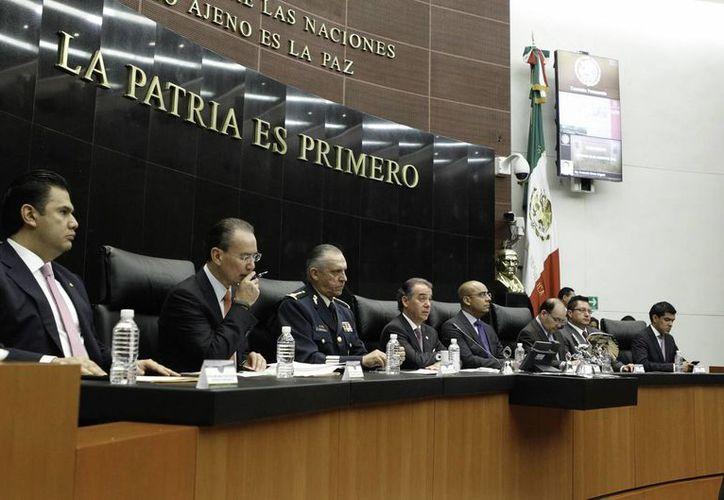 47 senadores del PAN y PRD entregaron el 11 de septiembre a la Mesa Directiva la solicitud de consulta popular sobre el salario del presidente de México. (Notimex/Foto de archivo)
