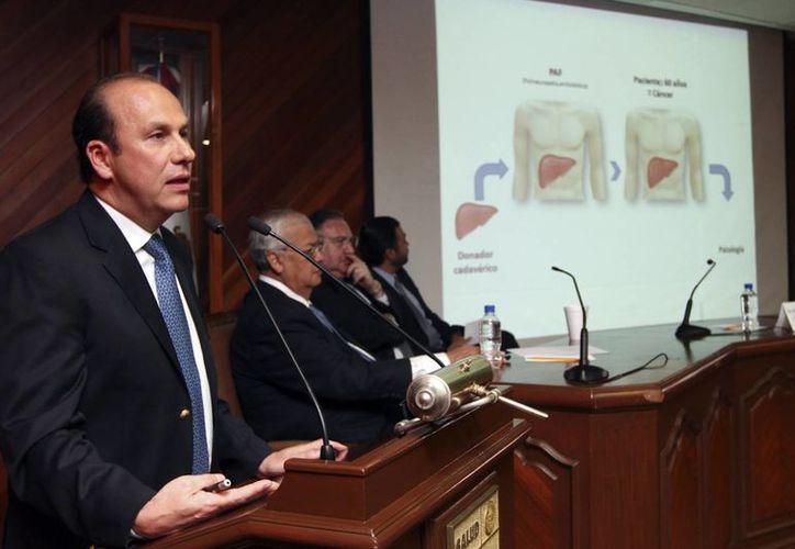 """Se realizó la conferencia de prensa sobre la novedosa técnica denominada """"Trasplante Dominó"""". (Notimex)"""