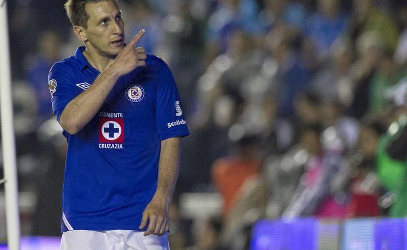 Al Cruz Azul no le ha ido muy bien en las finales que ha jugado contra el América. (Notimex)