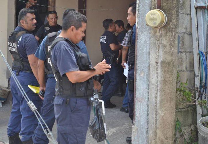 Los agentes policíacos se movilizaron de inmediato. (Redacción/SIPSE)