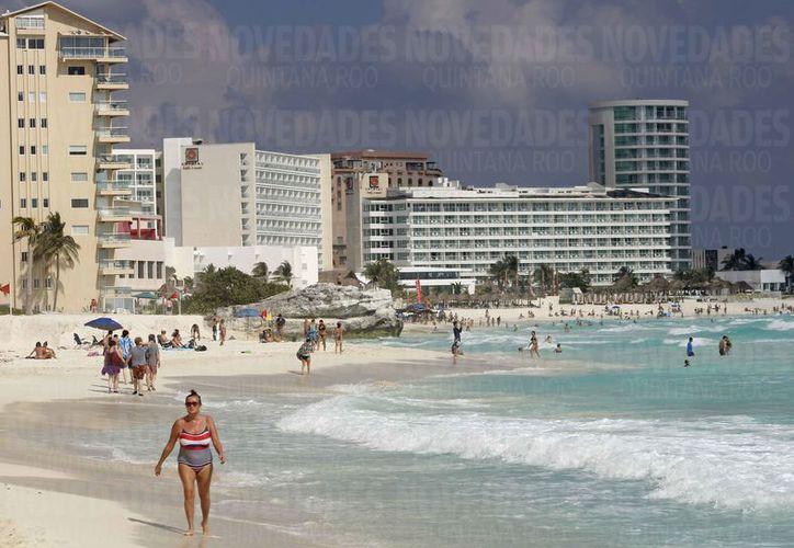 Las playas de los destinos turísticos del estado presentan deterioro. (Jesús Tijerina/SIPSE)