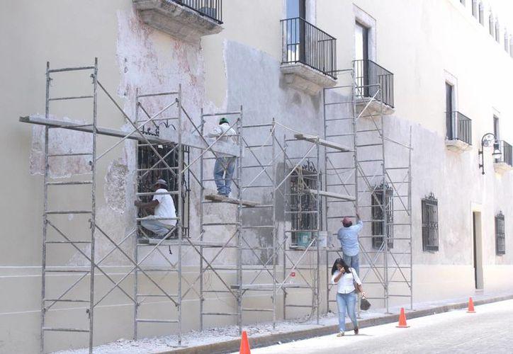 De acuerdo al INAH, en Mérida y otros sitios del Estado hay unos 120 edificios históricos donde se realizan remodelaciones o adecuaciones sin su permiso. (SIPSE)