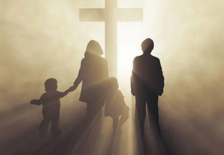 Seamos luz, que brilla, ilumina, orienta, hacia la dignificación de la persona y hacia la gloria de Dios. (SIPSE)