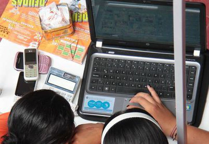 El Centro de Integración Juvenil busca llegar a más jóvenes a través de las redes sociales. (Gustavo Villegas/SIPSE)