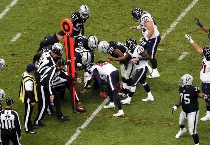 La Asociación de Jugadores de la NFL espera que el pasto del Estadio Azteca esté en condiciones adecuadas para el partido de Patriotas vs Raiders. (AP)