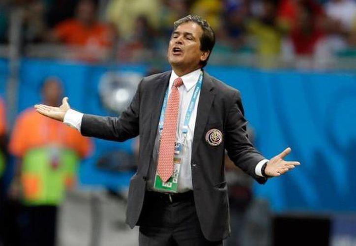 Gracias al técnico colombiano Jorge Luis Pinto, los ticos lograron tener una impecable actuación en Brasil 2014. (AP)
