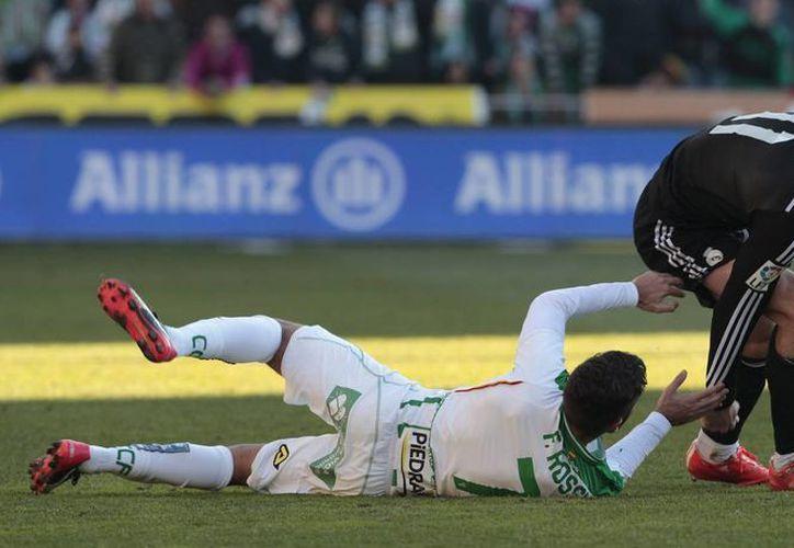 Gareth Bale consiguió anotar el agónico penal que hizo ganar a Real Madrid sobre el humilde Córdoba en la Liga de España. (Foto: AP)